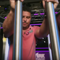 Luta de Titãs - Ronaldo e Tito Ortiz no episódio 5 de Shark Cage