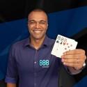 Ex-campeão mundial, Denilson, assinou pela 888