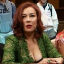 Jennifer Tilly Regressa ao Poker Night in America e Aprende a Fazer Fold
